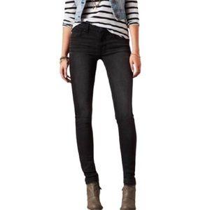 American Eagle Skinny Low Rise Black Jeans Short
